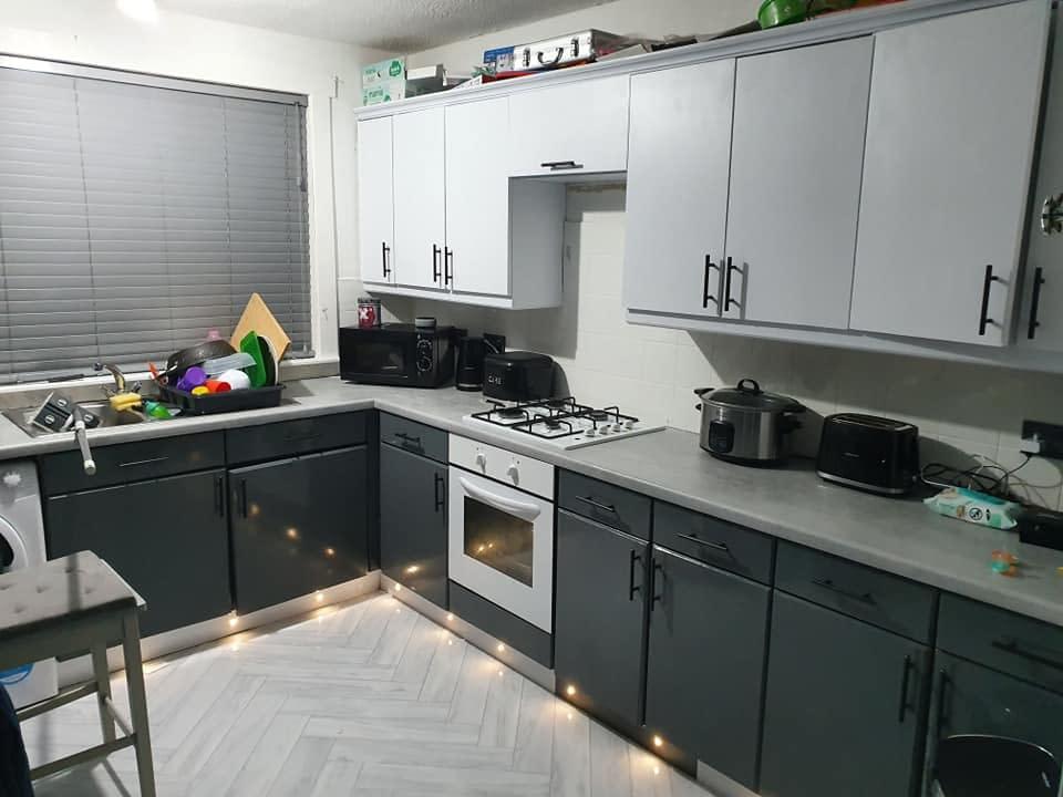 Kitchen Vinyl Wrapping Kustom Wraps Ltd, How Do You Apply Vinyl Wrap To Kitchen Cabinets